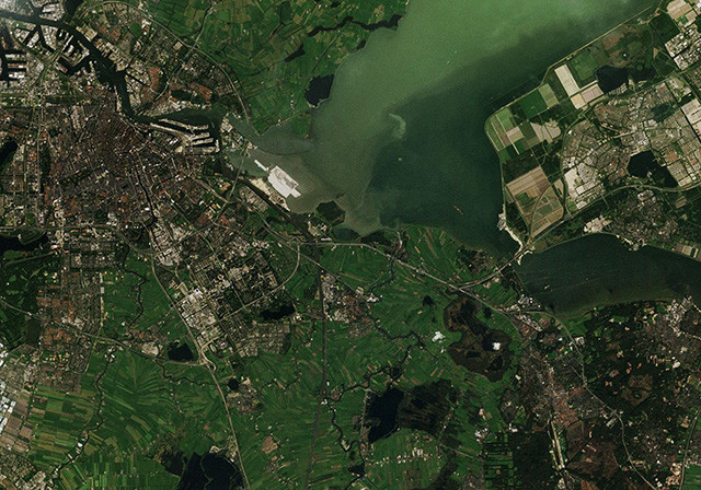 satellietfoto kaart of stratenplan op maat van stad in design Satellite